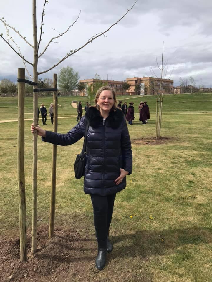Plantación árbol Bosque de la Danza